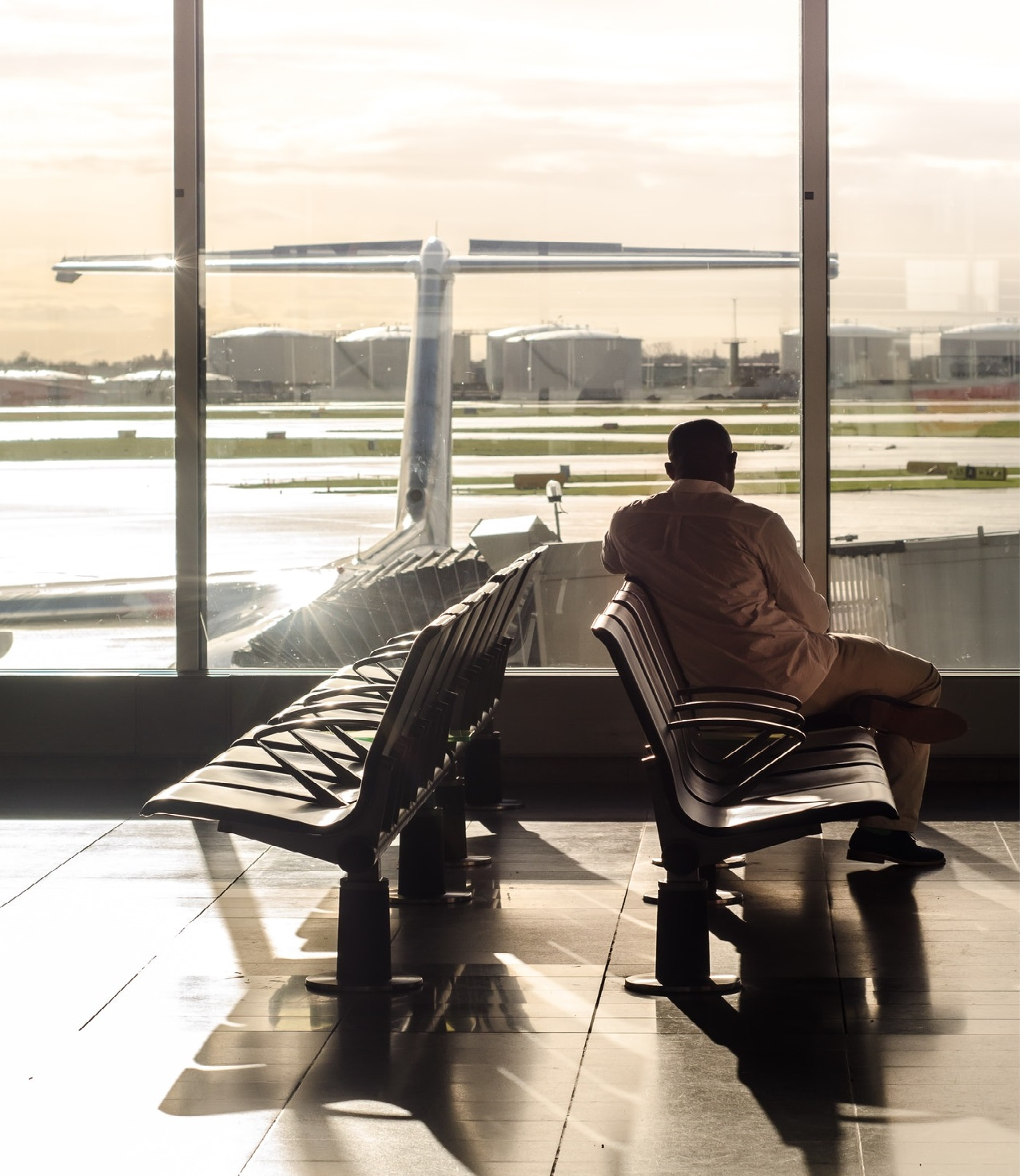 Read more about the article 17 Things You Can Do at the Airport While You Wait for Your Flight