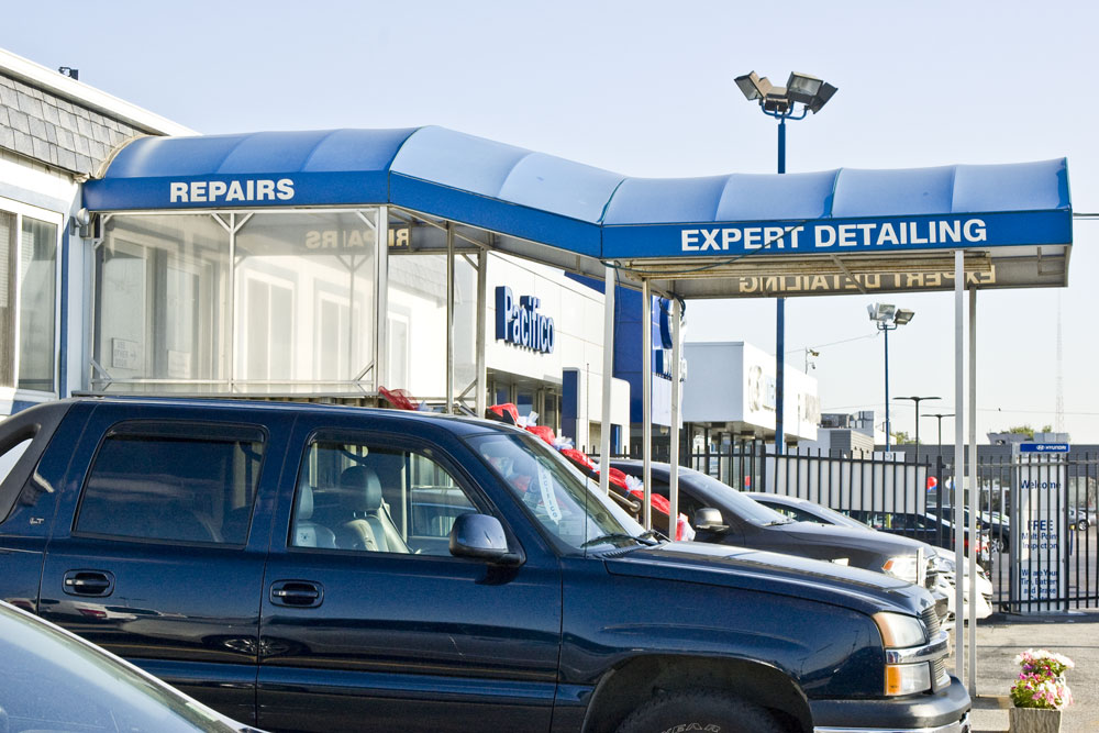 Pacifico Airport Valet parking provides detailing and automotive service capabilities.