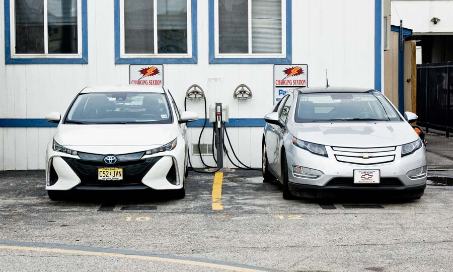 Pacifico Airport Valet parking now provides an EV charging station.